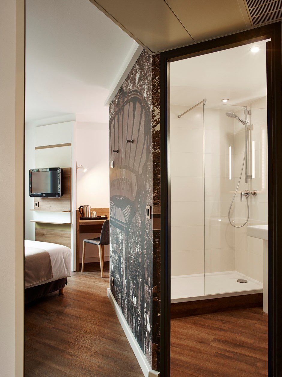 Classic hotel rooms paris median paris porte de versailles - Electric porte de versailles ...